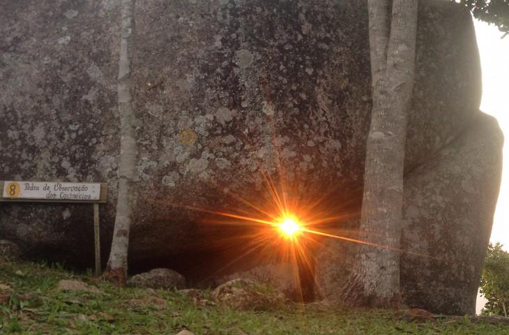 Caminhada noturna na trilha da Oração