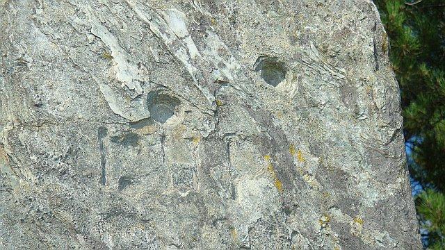 pierre-plantee-detail pedra Plantada sul da França (livro de Bruno Marc)
